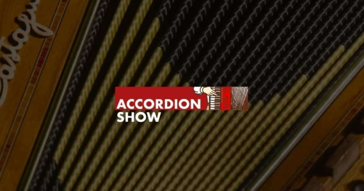 Demonstration of Harmonik integrated microphones, the new great innovation in accordions' amplification