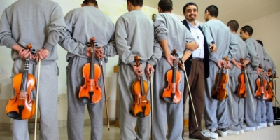 How violin changes the life of a prisoner