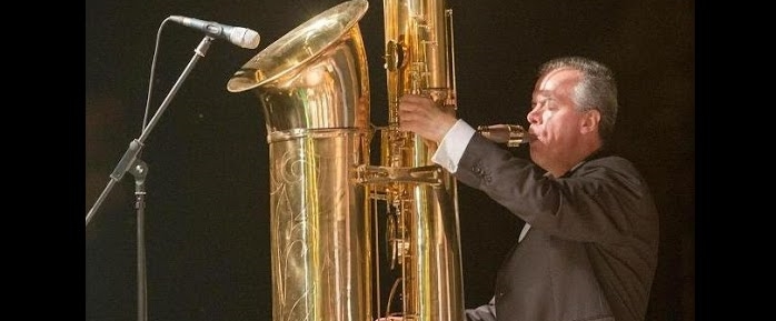 How is a 3 meters tall sax built?