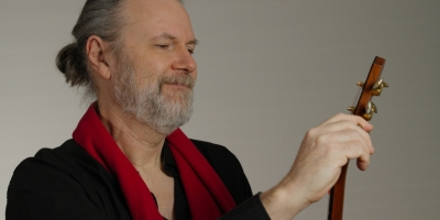 Beppe Gambetta in concerto a Cremona Musica con 'Where The Wind Blows (Dove Tia O Vento)'